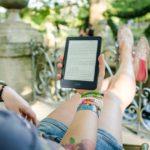 Tradycyjna książka vs ebook. Co wybrać?